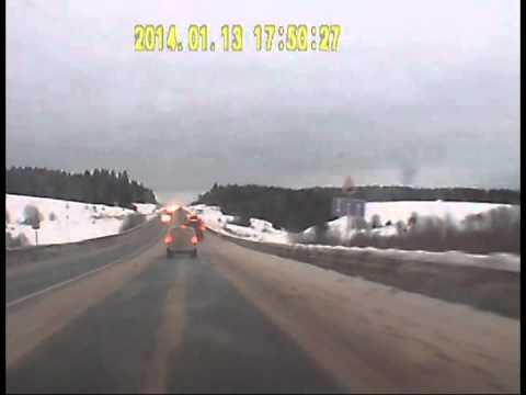 Безбашенный водила на грузовике