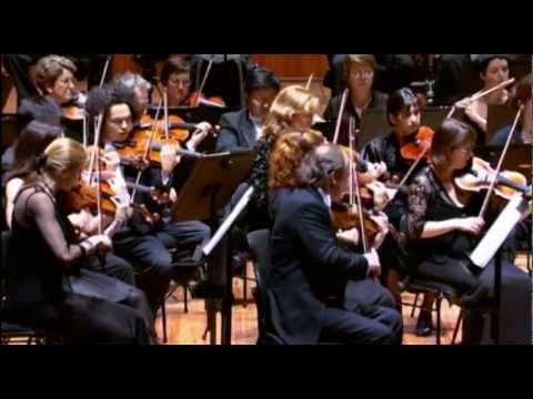 David Robertson conducts Brahms