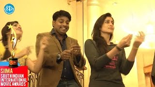 Siva Manasulo Sruthi - Regina Cassandra Funny Dance @SIIMA 2014 Awards, Malaysia
