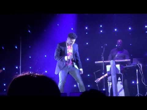 14.12.13 Eric Benet - Hurricane(Live)
