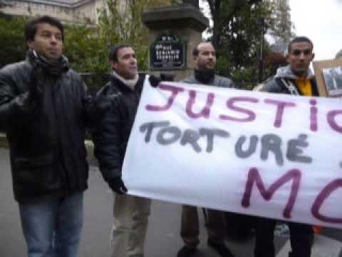 Rassemblement devant l'Ambassade du Maroc à Paris pour la réhabilitation de Zakaria Moumni
