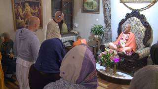 2014.10.23. Deities Greeting, Guru Puja HG Sankarshan Das Adhikari, Kaunas, Lithuania