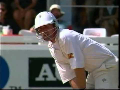 **HILARIOUS** PHIL TUFNELL BATTING FAIL....YOU HAVE FAILED SON....