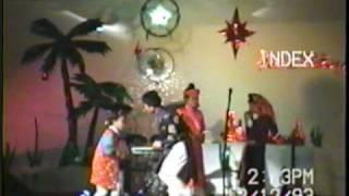 Thang Bom - Ban Kich Hai Yen - Hai Dang Band in Pittsburgh, PA (12-1993).0002.mpg