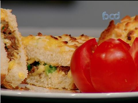 توست الجبنه واللحمه المفرومه على طريقة الشيف #وحيد_كمال  من برنامج #الفطاطرى #فوود