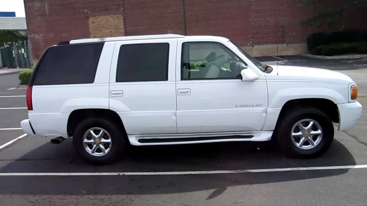 1999 cadillac escalade for sale chicago clean white 99. Black Bedroom Furniture Sets. Home Design Ideas