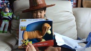 DexterPlaysToys Unboxing Disney Pixar Toy Story Slinky Dog Toy Review