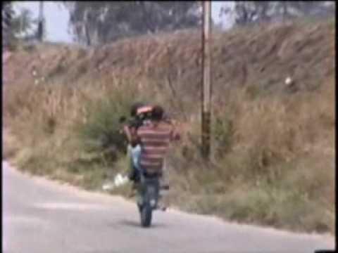 MOTO PIRUETAS NIRGUA PIKE EN EL PANTANO 3.
