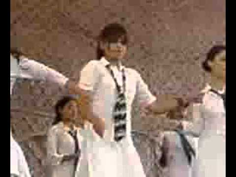 Pakistani school girls dance