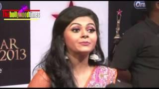 Debolina Bhattacharya Hot & Sexy Navel Exposing @ STAR Parivaar Awards 2014