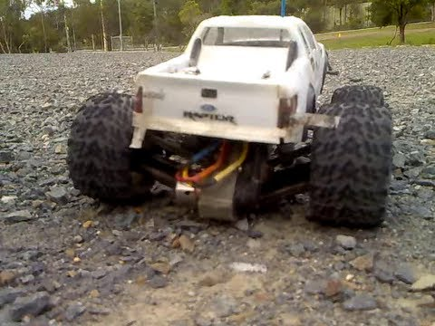 RC WHO - HUGE CRASHES - TRAXXAS HIGH SPEED BASHN.- custom 1/10 Trucks