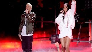 "Eminem Video - Rihanna & Eminem ""The Monster"" Rocks 2014 MTV Movie Awards"