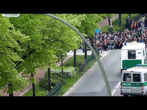 ERSTER MAI - Kurzfilm 2010 - Polizeieinsatz und Demonstration in Berlin am 1. Mai 2010