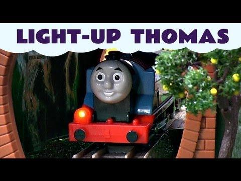 Light-Up Thomas Trackmaster Thomas & Friends kids Toy Train set Thomas The Tank Engine