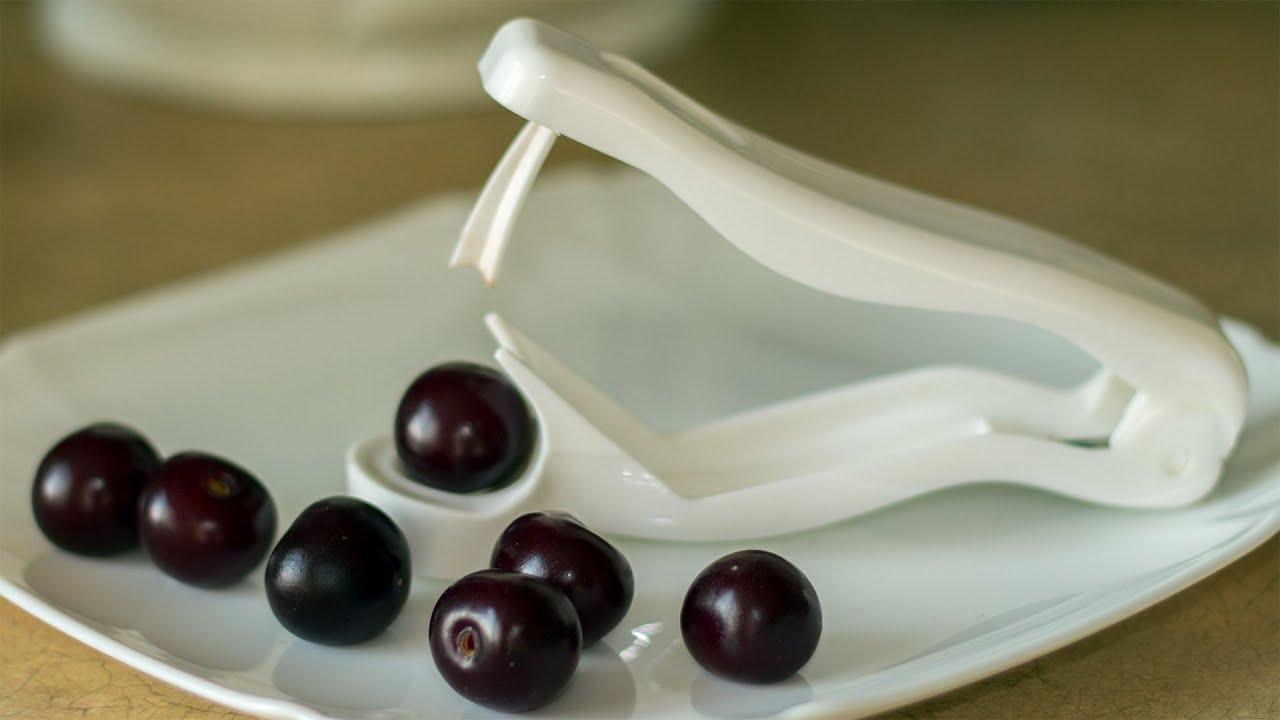 Как быстро достать косточки из вишни в домашних условиях