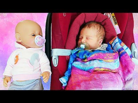 Download Kinder mit Baby Born - Peppa Wutz muss auf das Baby aufpassen Mp4 baru