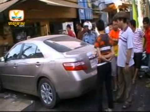 Khmer news-Hang Meas HDTV-Morning News-18-1-2013-Car Crashed Oreusey Chinese noodle shop