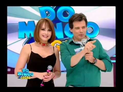 Domingo Legal - Gabriela Spanic no palco do Domingo Legal - Parte 1