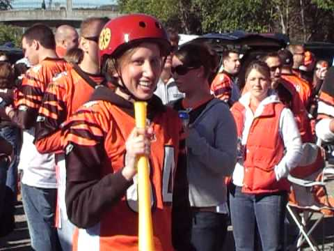 Cincinnati Bengals Fan Tries Her Hand At Beer Baseball