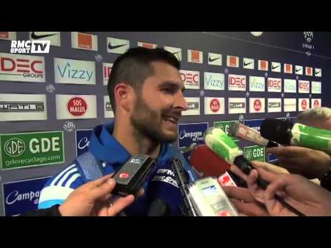 Football / Gignac, son bisou à Marcelo Bielsa - 04/10
