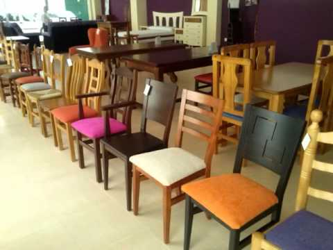 Sillas mesas y taburetes para hosteleria ginetom youtube for Mesas en madera para bar