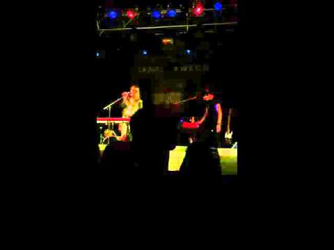 Lauren Aquilina - Echoes