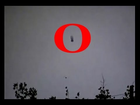 UFO Sightings Over Tucson AZ Massive Cigar Shaped UFO Solid PROOF! Watch Now!