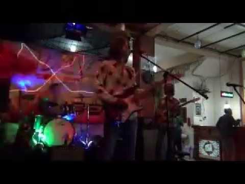 Bobby whiplash-Red house