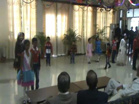 nanha munna rahi hoon by children of DLW