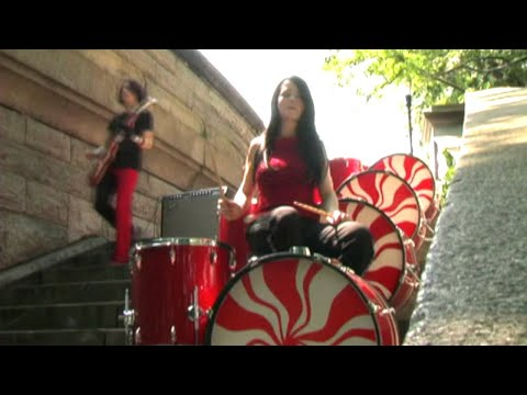 White Stripes - The Hardest Button To Button
