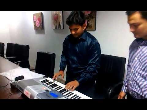 Ye Mera Dil Pyar Ka Diwana - By Avdhesh Khare video