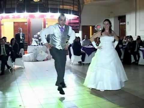 baile entretenido y de sorpresa   (matrimonio naty y walter 16 de junio 2012 )