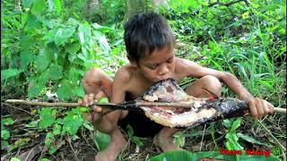 Primitive Technology - Eating delicious - Yummy cooking fish