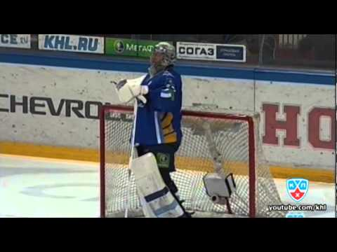KHL: Another 'Goalie Fail' Moment From Russia - Barys Astana's Jeff Glass Upstages Karri Ramo (video)