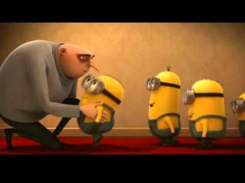 Despicable Me - Minion Kissing -  9.7KB