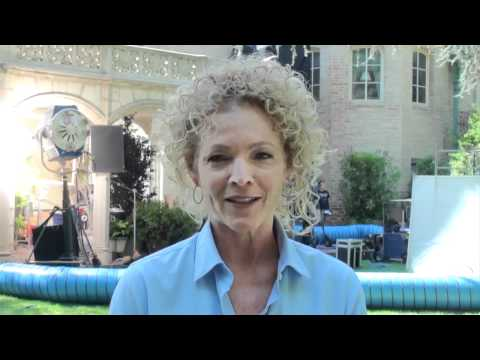 House - Season 7 - 7x03 - 'Unwritten' Interview with Amy Irving [HD]