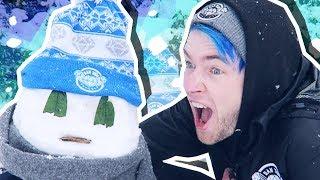 HOW TO BUILD A DANTDM SNOWMAN!!!