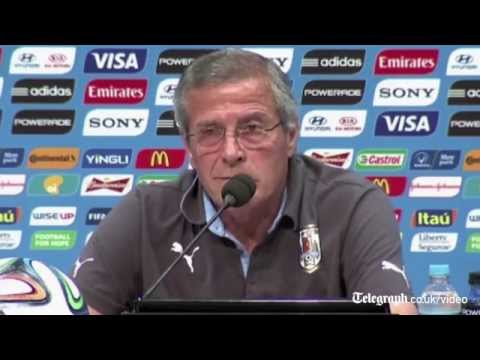 Uruguay manager hits out at Suárez ban