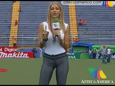 Ines Sainz. mexico vs Costa Rica.avi
