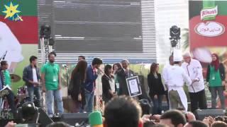 """بالفيديو لحظة اعلان دخول مصر موسوعة """"جينيس""""  باكبر طبق فول في العالم"""
