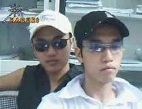 Two Vietnamese Boy(dem Trang Tinh Yeu) video