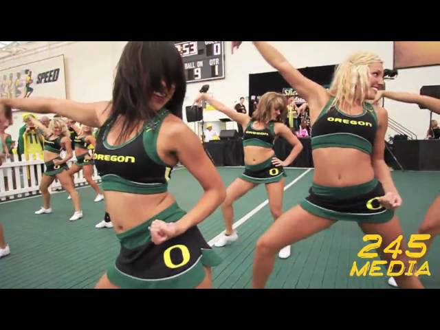 University of Oregon Cheerleader Live Pre Game Performance U of O vs. Purdue 2009