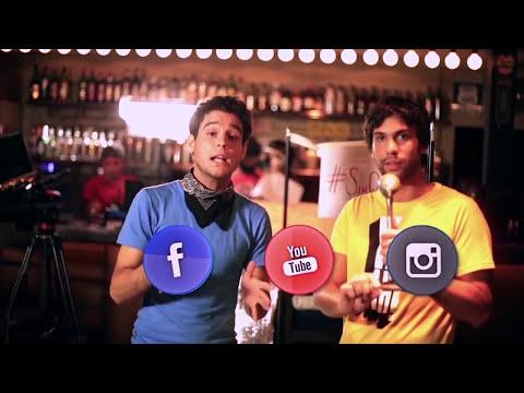 Alejandra Maglietti, a los besos con el cantante de una banda de cumbia