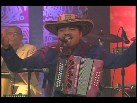 GUANACO SOLIDO EN VIVO .wmv