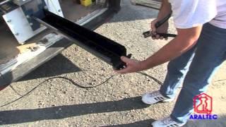 ARALTEC - Démonstration De L'installation D'une Gouttière En Direct Sur Le Chantier