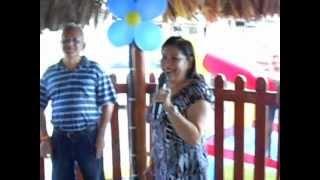 Esther canta Alla en el rancho grande con topy!!!