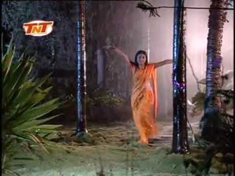 Aag Lago Bajjar-Bhojpuri Hot Sexy Girl Rain Dance Video Song...