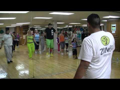 Me Llamo Raquel - Banda Machos - Cumbia Fitness - Crazy Sock TV