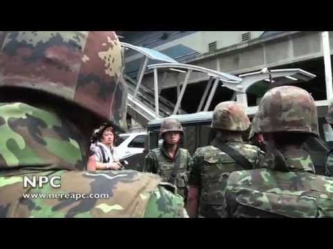 Thailand: Anti-coup protesters at Terminal21 Asok BTS 01.06.2014