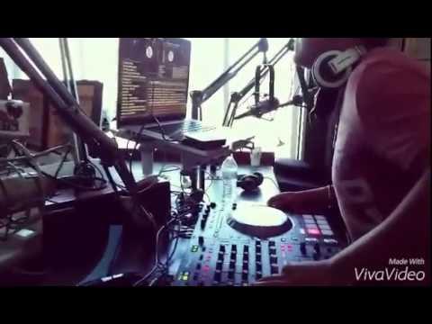 Dj Arthyk en Radio Bronco 107.7 FM La Mezcladora Santa Barbara CA.